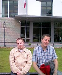 Diego et moi à Berlin devant l'ambassade de France