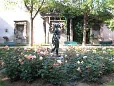 La Dame du square Georges Cain