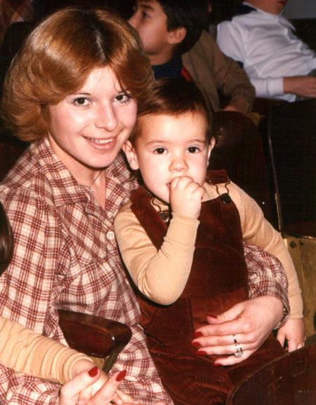 Matoo à deux ans avec sa maman