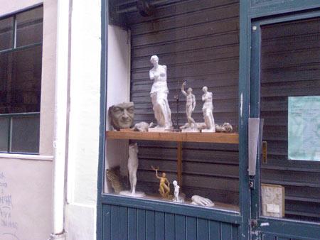Philippe Léotard en statue