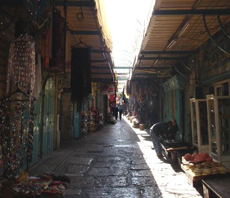 Souk à Jérusalem en quartier musulman
