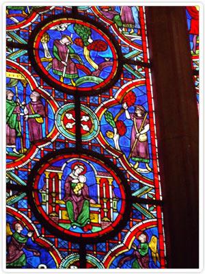 Exemple de vitrail de la Cathédrale Saint-Julien - Le Mans