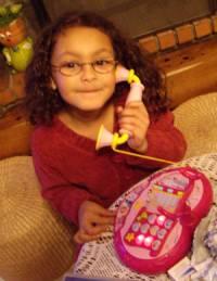 Lauryn au téléphone !
