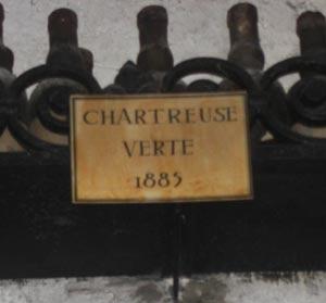 Bouteille de chartreuse verte de 1885 à la Tour d