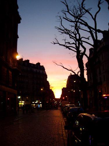 Coucher de soleil rue Jean-Pierre Timbaud.