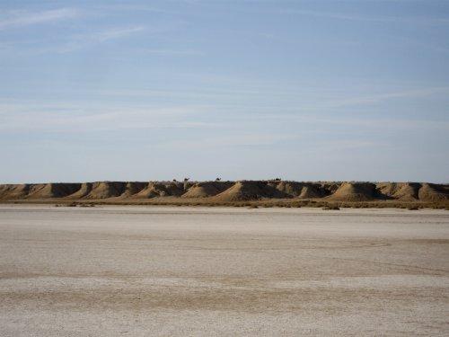 Vue du lac salé dans le désert tunisien
