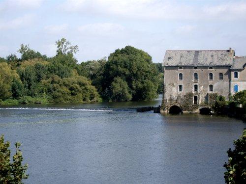 Le Moulin de Grez-Neuville sur la Mayenne