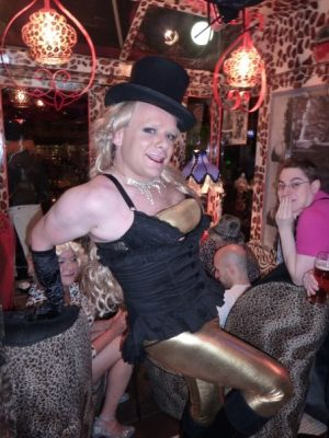 "Nicole Kidman meets Britney Spears ""Circus"""