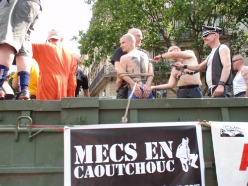 Mecs en caoutchouc - Gay Pride 2009