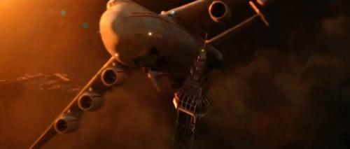 Image à 1:42 minute de la bande-annonce de 2012. Tour Eiffel ?
