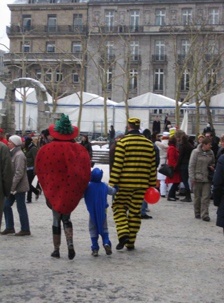 Une famille allemande au carnaval de Cologne
