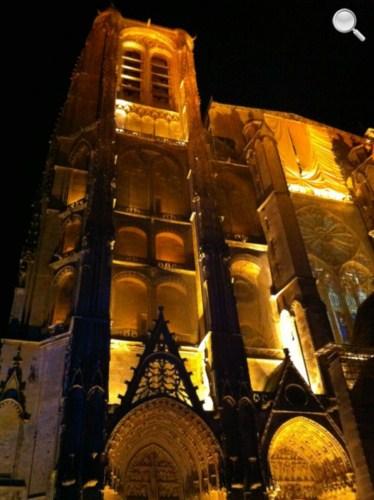 Vue de la Cathédrale de Bourges - la nuit