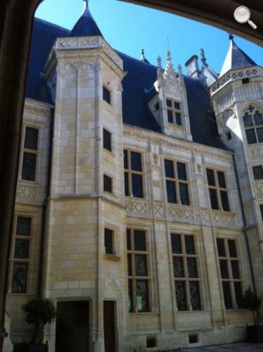 Cour intérieure Palais Jacques Coeur - Bourges