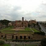 Forum romain vu du Colisée