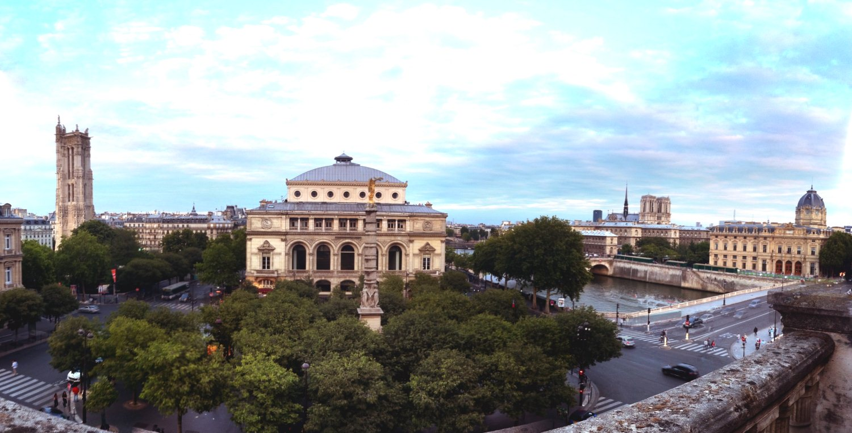 Vue panoramique de la terrasse du Théâtre du Châtelet