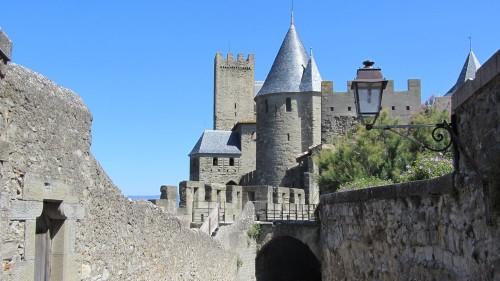 La Cité de Carcassonne revue et corrigée par Viollet-Le-Duc
