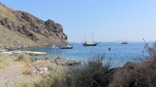 Vue de l'île de Thirassía en face de Santorin (faisant partie de l'archipel)