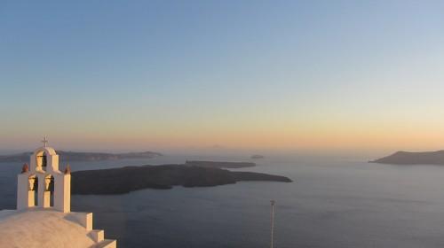 Vue de Nea Kamini à Imerovigli au coucher de soleil - Santorin