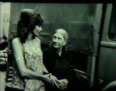 Malka Ribowska et Sylvie - La vieille dame indigne