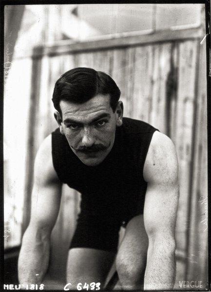 Léon Hourlier, 1909.