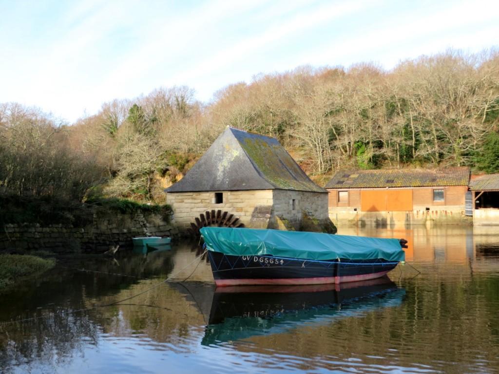 Moulin à marée du Hénan sur l'Aven