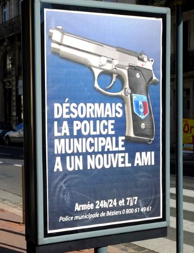 pub_police_bezier