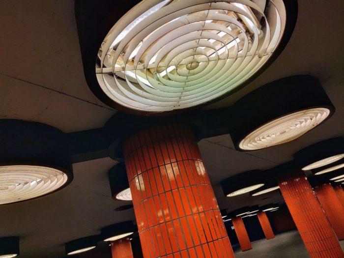 Passage souterrain du S-Bahn au design années 1970